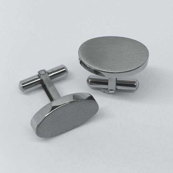 Manchettknappar i titan - Cuff oval