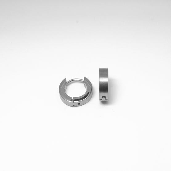 Creolörhängen i allergivänligt titan. 9 mm