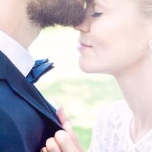 Close together med 9x0,02ct och Straight queen 5mm. Vinnande bild av Andrea Jacobsson, bröllop vid havet i Småland.